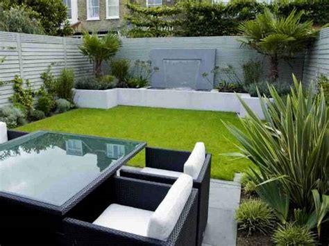tips menciptakan taman mungil indah segar di depan rumah