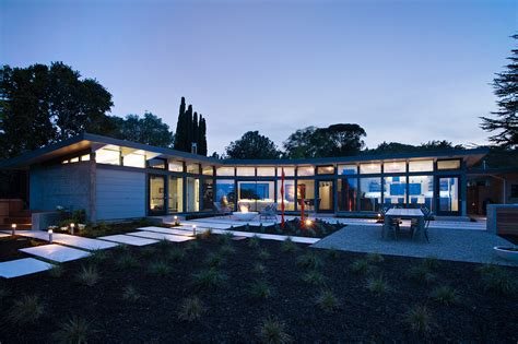 mid century house mid century home by frank lloyd wright apprentice receives