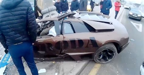 crashed white lamborghini driver dies as 163 200 000 lamborghini owned by russian mma