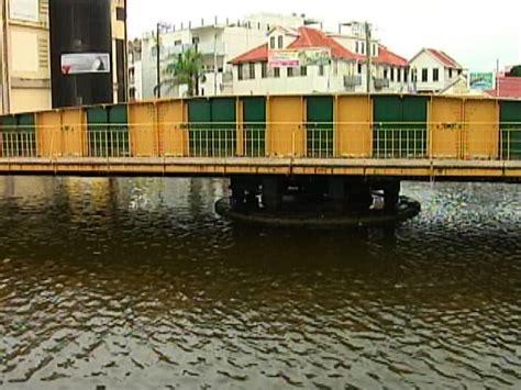 swing bridge belize old landmark swing bridge turns for mooring boats
