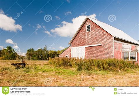country barn plans country barn in autumn field stock image image 11365351