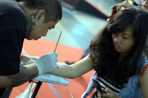 tattoo hukum islam hukum bertato yang bertato dan yang mentato hukumnya