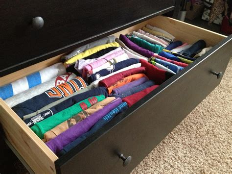 How To Organize T Shirts In A Drawer by How To Organize Your T Shirt Drawers Stress Baking