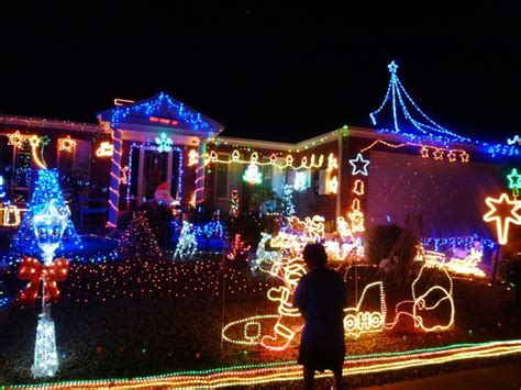 melton christmas lights bus tour melbourne