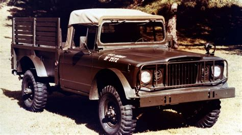 Jeep J7 Chrysler Reveals Moparized Jeep And Ram Trucks At Moab