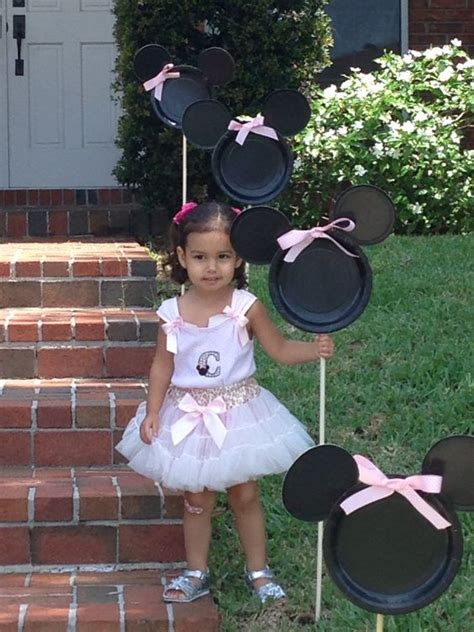 minnie mouse decorations 32 sweet and adorable minnie mouse ideas shelterness