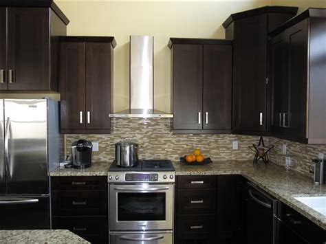 Kitchens With Dark Cabinets by Gallery For Gt Dark Wood Shaker Cabinets