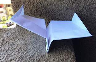 Paper Folding Record - how to fold the record setting glider style paper airplane