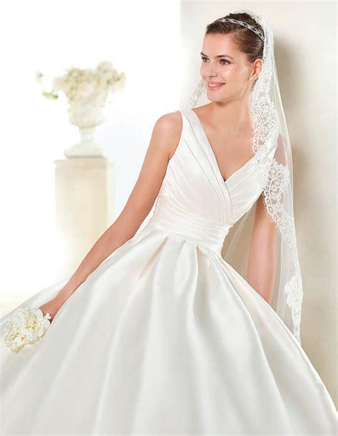 Imagenes De Vestidos De Novia Con Escote En La Espalda | vestidos de novia con cuello en v vestidosdenovia com