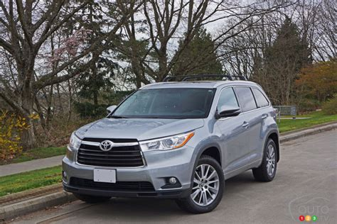 Toyota Awd Review The 2016 Toyota Highlander Xle Awd Gets High Marks Car