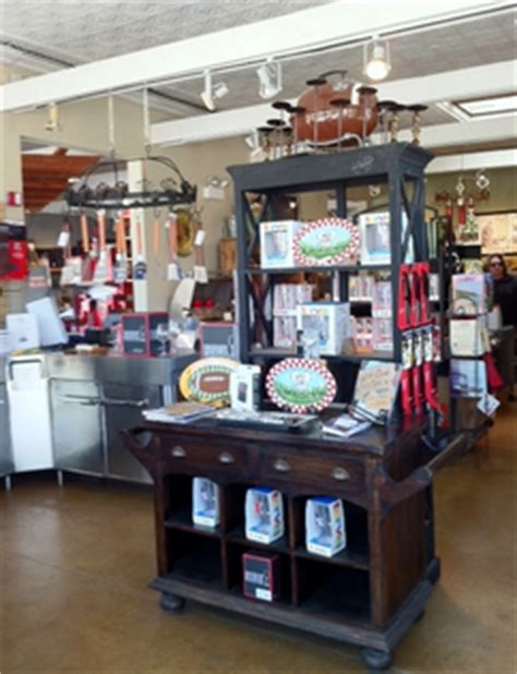 backyard bbq store shopping in downtown wilmette il