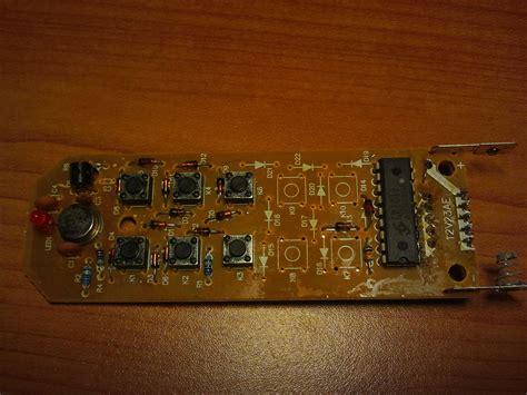 dioda w pilocie fht 6868f gniazdka sterowane pilotem dioda led cały czas świeci