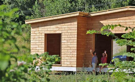 construire sa maison passive 4552 maison passive en briques de bois assembl 233 es sans clou ni