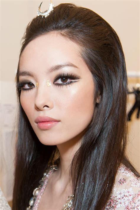 hair and makeup dubai runway beauty chanel cruise 2015 hair makeup look