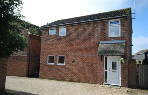 3 bedroom houses for sale in chelmsford 3 bedroom detached house for sale in clarence close