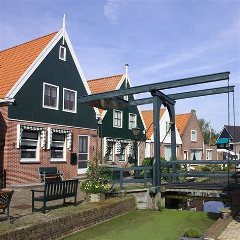 boat tour giethoorn giethoorn volendam amsterdam canal cruise tours