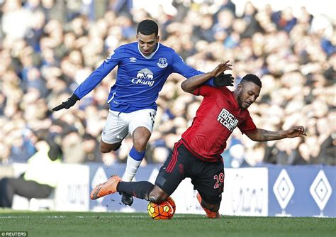 resolute victory everton 0 1 west brom salomon rondon s effort enough to