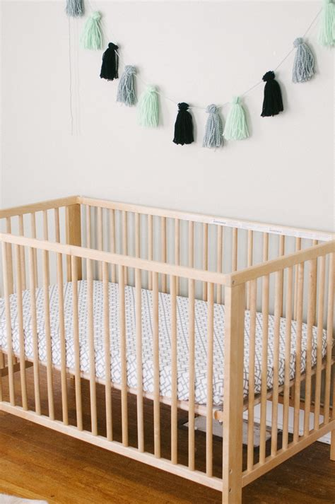 what to look for in a baby crib what to look for when buying a crib mattress 28 images