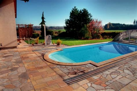 terrasse quarzit beckenrandsteine terrassenplatten aus quarzit