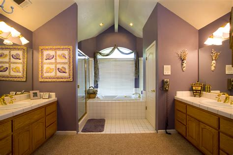 Neutral Color Bathrooms by The Right Paint Color For Your Bathroom How To Build A House