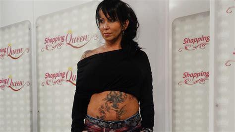 catwalk tattoo shopping queen kati zeigt alle ihre tattoos auf dem catwalk