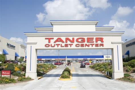 kitchen collection tanger outlet kitchen collection tanger kitchen collections at tanger outlets roselawnlutheran tanger