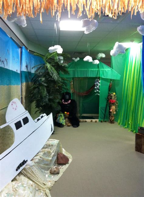 island themed decorations 1st place gilligan s island theme ezpzparties