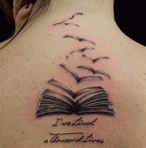 fotos e designs de tatuagem criativa de livros fotos de