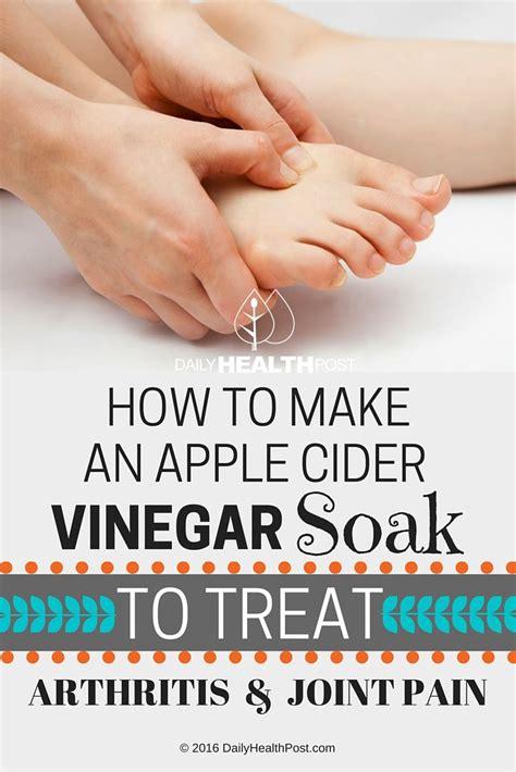 How To Make A Detox Foot Soak by 25 Best Ideas About Foot Soak Vinegar On Soak