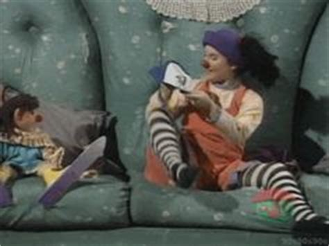 the big comfy couch clean up big comfy couch on pinterest comfy couches clowns and