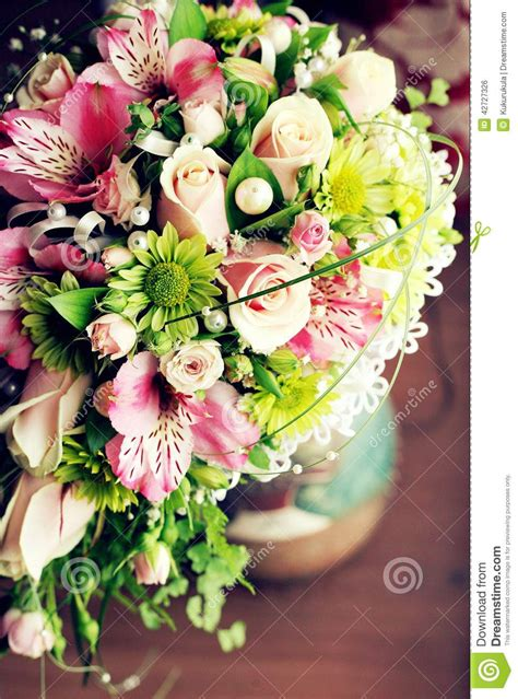 Wedding Bunch Of Flowers by Wedding Bouquet Bunch Of Flowers Stock Photo Image 42727326