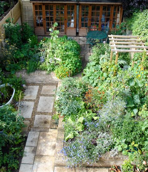 Kitchen Garden Uk Ornamental Kitchen Garden Sustenance In The City Carol