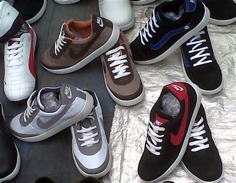 Sepatu Cewe Trendy Gaya Sneakers Sport Fashion Biru Terbaru waroeng sport jacket jersey shoes n fashion sport sepatu lokal gaya