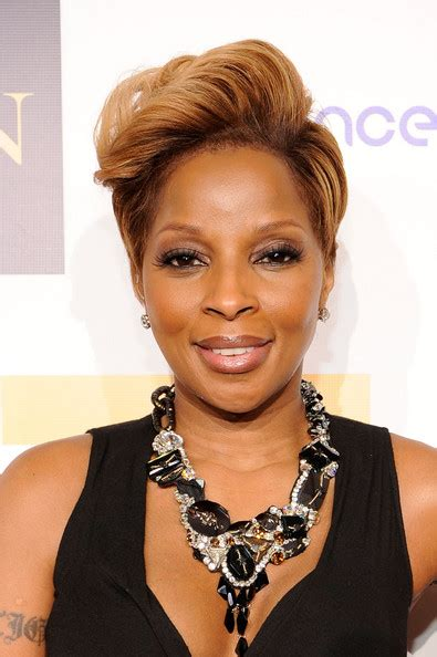 mary jblige latest hair style more pics of mary j blige evening dress 1 of 40 mary