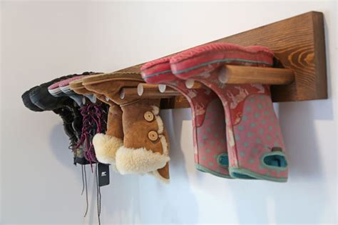 Boot Rack Diy by White Wall Boot Rack Plans Diy Projects