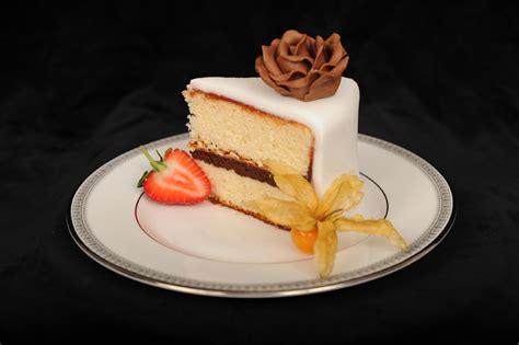 Wedding Cake Fillings by Flavours And Fillings Ultimate Wedding Cakes Cheshire