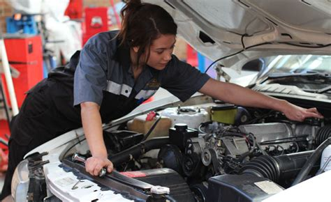 Toyota Mechanic Toyota Wants Matriculants For Auto Mechanic