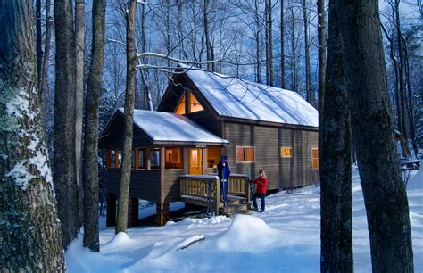 Cabins Near New River Gorge by Lodging Adventures On The Gorge
