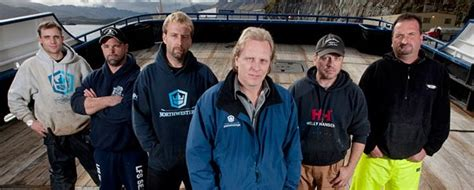 deadliest catch captain returning to 2016 fishing forum it s official deadliest catch returns april 10