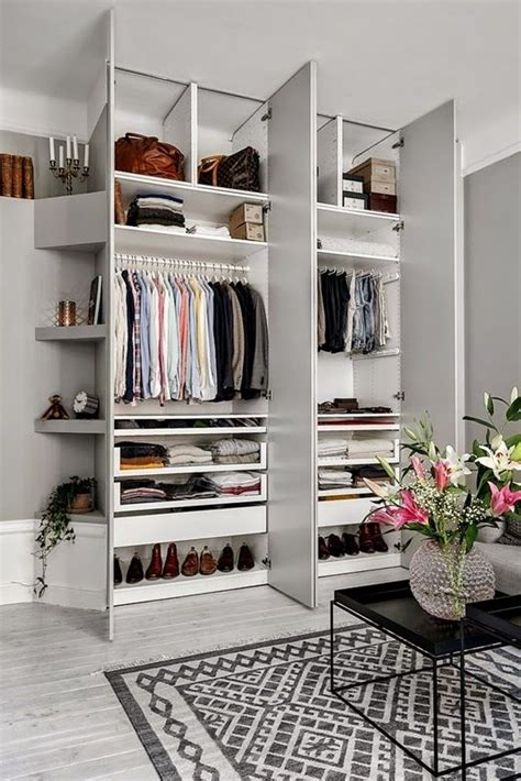 Living Room Wardrobes by Best 25 Built In Wardrobe Ideas On Fitted