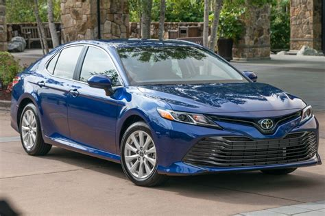 Difference Between Toyota Camry Hybrid Le And Xle Toyota Camry 2017 Le Vs Xle 2017 Toyota Camry Sedan