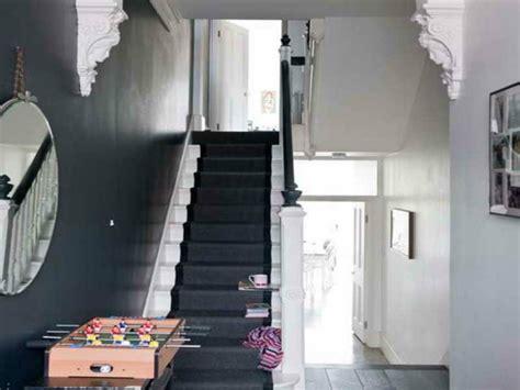 Flur Mit Treppe Gestalten Modern by Alles 252 Ber Die Flurgestaltung Farbschemen M 246 Belst 252 Cke