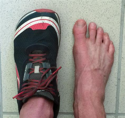 foot shaped running shoes embrace the space the story about altra s footshape toe
