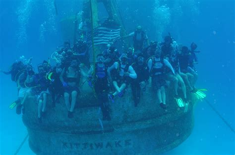 catamaran hundido en cozumel islas caim 225 n un buceo paradis 237 aco consejeros viajeros