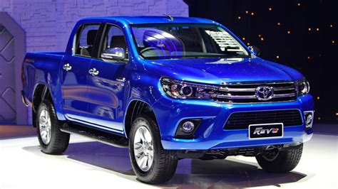toyota th 2016 toyota hilux revo officially unveiled in pakistan