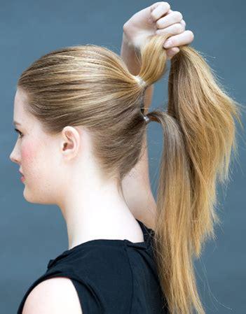 Sprei Kuda Pony tutorial rambut cantik dan sederhana dalam waktu 10 detik