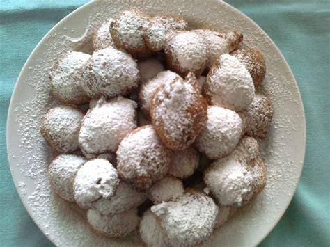 dolci tipici mantovani frittelle alla crema per carnevale