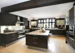Modern Luxury Kitchen Designs Luxury Modern Kitchen Your Kitchen Design Inspirations And