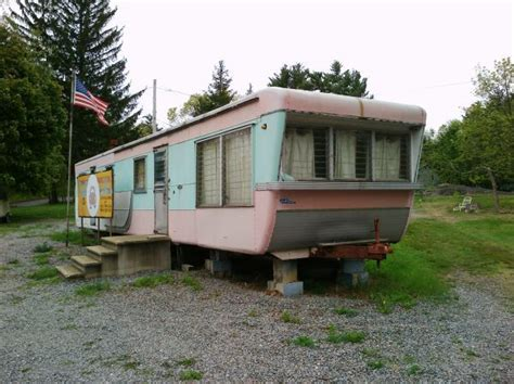 mobile home trailers 1950 s vintage 44 mobile home trailer cer no wheels