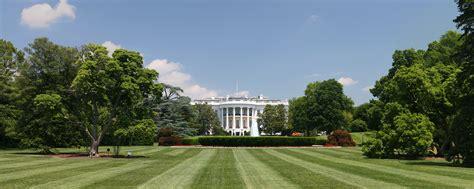 wiki white house file white house lawn jpg wikipedia